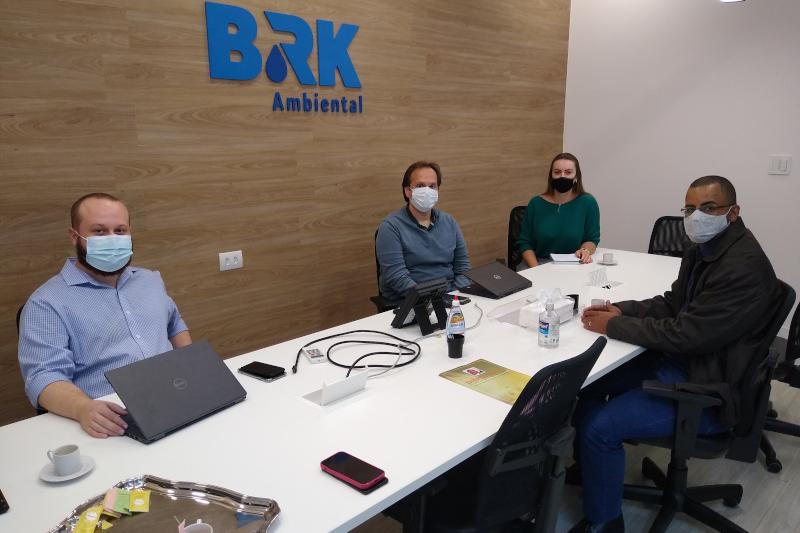 Vereador debate com BRK Ambiental tarifa social em condomínios