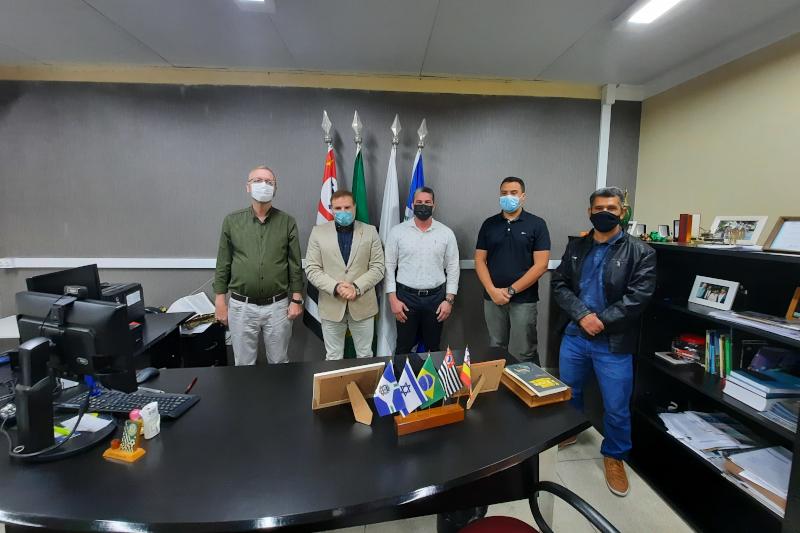 Vereadores recebem visita do deputado estadual Cézar